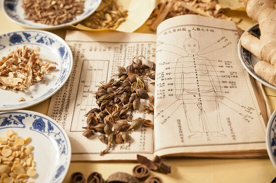 טיפול בעזרת צמחים סיניים
