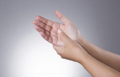טיפול בטריגר פינגר (אצבע הדק)