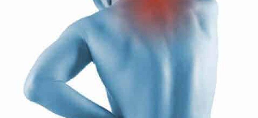 4 דברים שחשוב לדעת על כאבי גב עליון